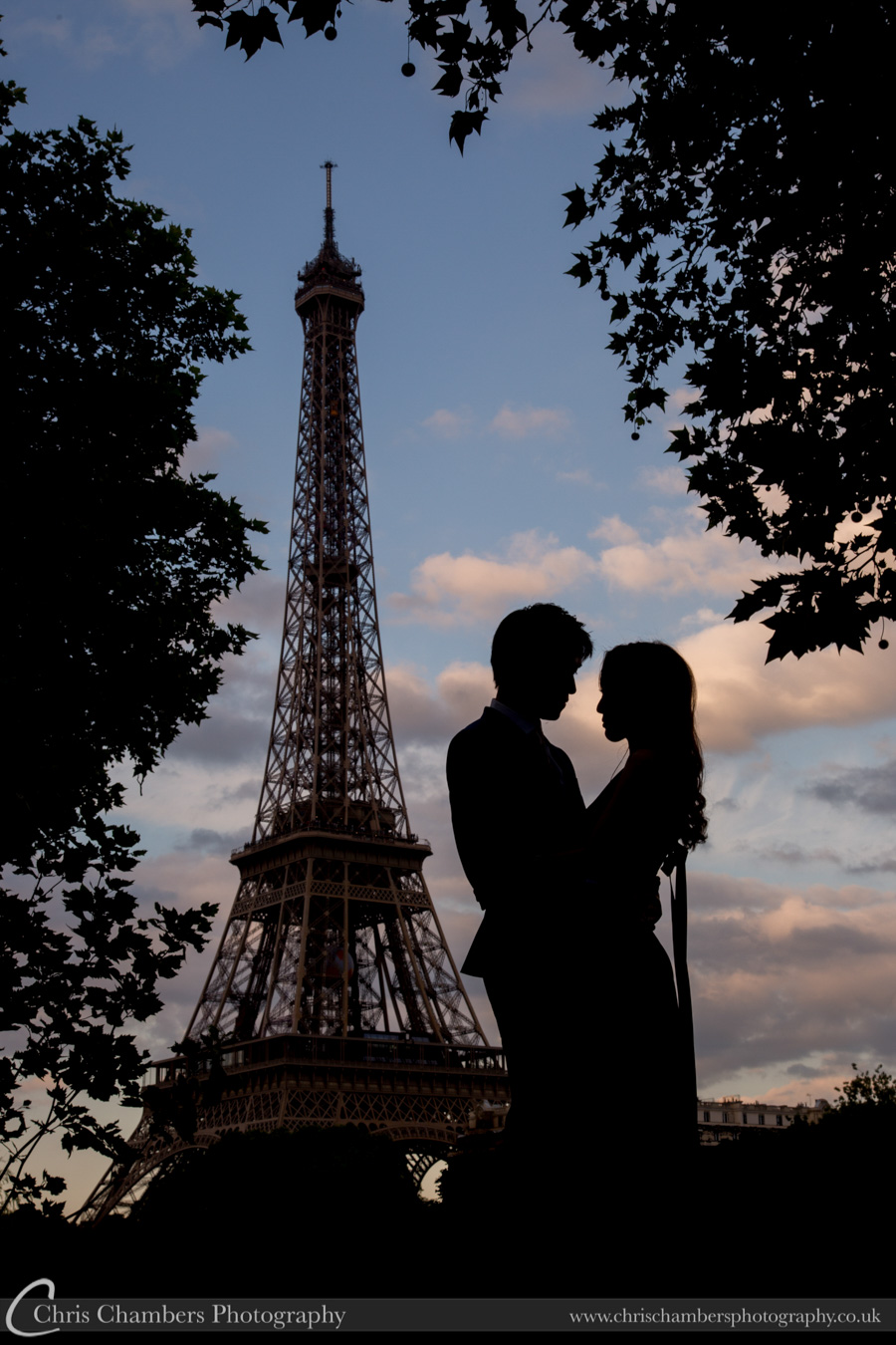 Paris wedding photography | France wedding photography | Paris wedding photograph of the bride and groom | Eiffel Tower wedding photography